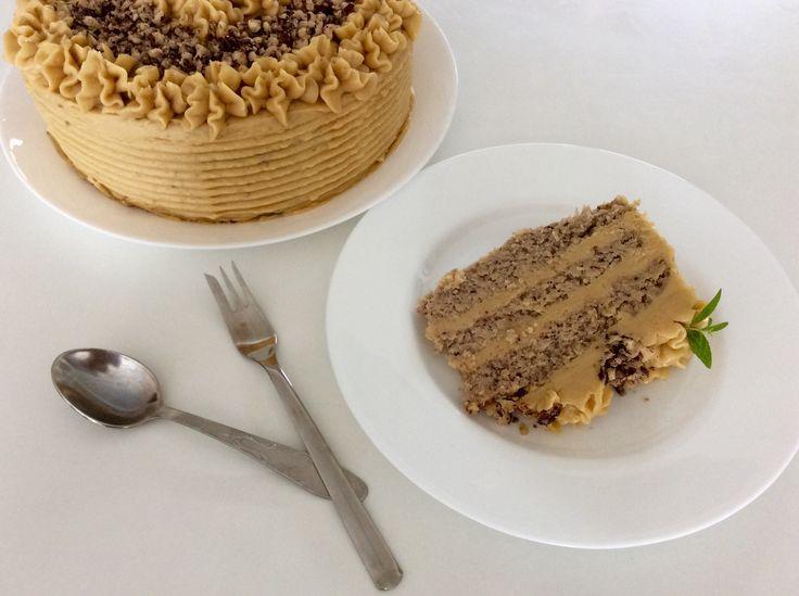 Lískooříškový dort s javorovým máslovým krémem