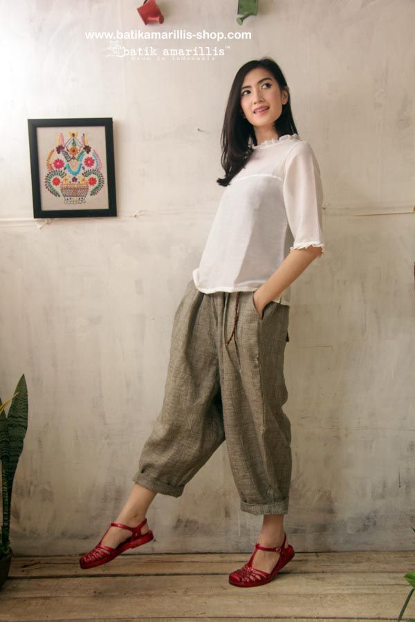 Batik Amarillis' Fraiche 2014.  Made in Indonesia  Tokyo85 pants & innocencia Top 80-ies super cool,chic and comfy inspired pants ,it's tuck & ankle length with super adorable back pockets to spice up its cuteness!