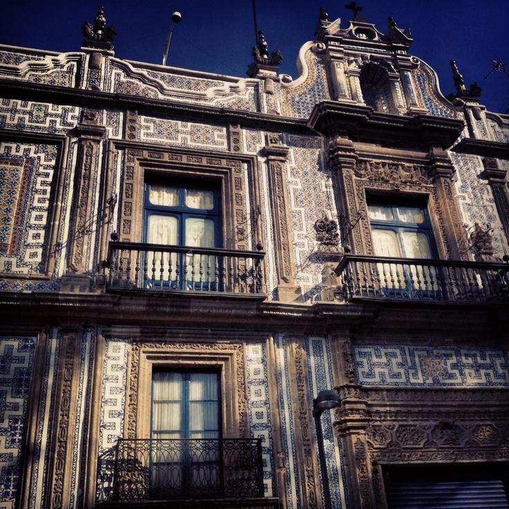 24 best estatuas y monumentos de crist bal col n images on for Casa de los azulejos ciudad de mexico