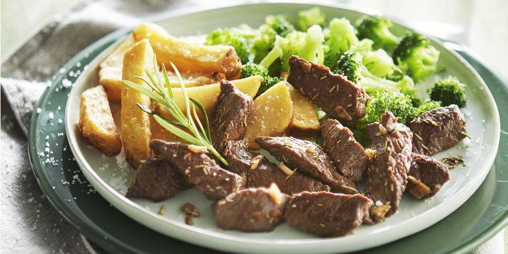 Boodschappen - Biefreepjes met knoflook, broccoli en ovenfrietjes