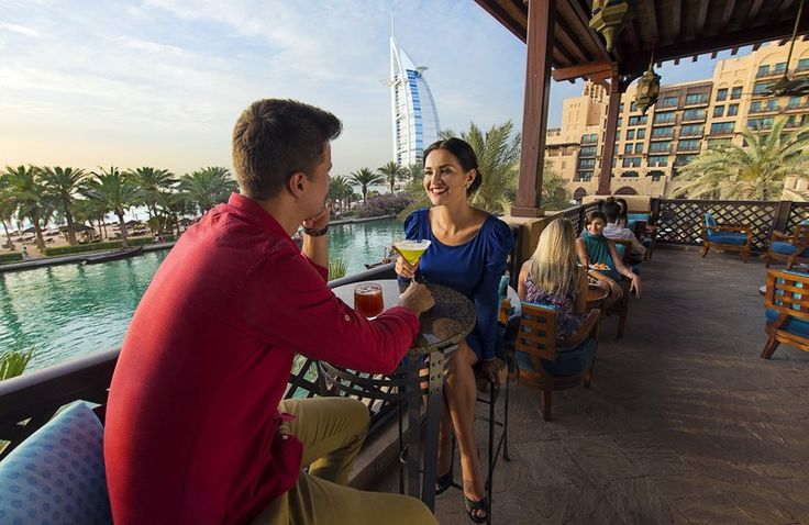 Women expatriates in the United Arab Emirates - what is life like for single females in Dubai?