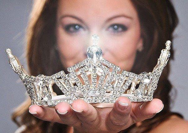 У женщины может быть много шляп, но одна из них обязательно должна быть короной! Мэри Кэй Эш