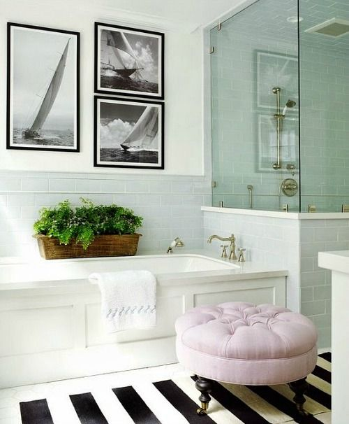 Black and White Coastal Bathroom... http://www.completely-coastal.com/2017/01/coastal-decor-in-black-white-pillows.html