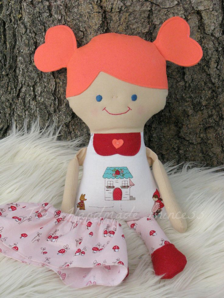 This little miss is so full of sweetness and curiosity! She loves exploring the woods and the fields, and will often come home with armloads of wild flowers to brighten her home. #thehandmadeprincess #ragdoll #clothdoll #craftyab