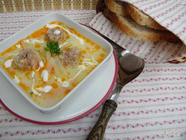 Aleda konyhája: Karalábéleves húsgombóccal