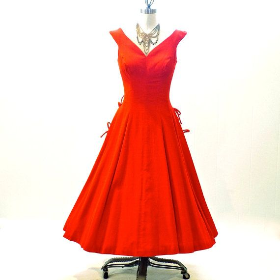 Vintage 50s Dress Red Velvet 1950s Party Dress by daisyandstella #50sdress #redholidaydress #1950spartydress  https://www.etsy.com/listing/209729707/vintage-50s-dress-red-velvet-1950s-party