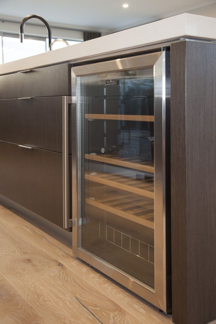 A cheeky drinks fridge under the kitchen bench. Perfect for entertainers or anyone really.