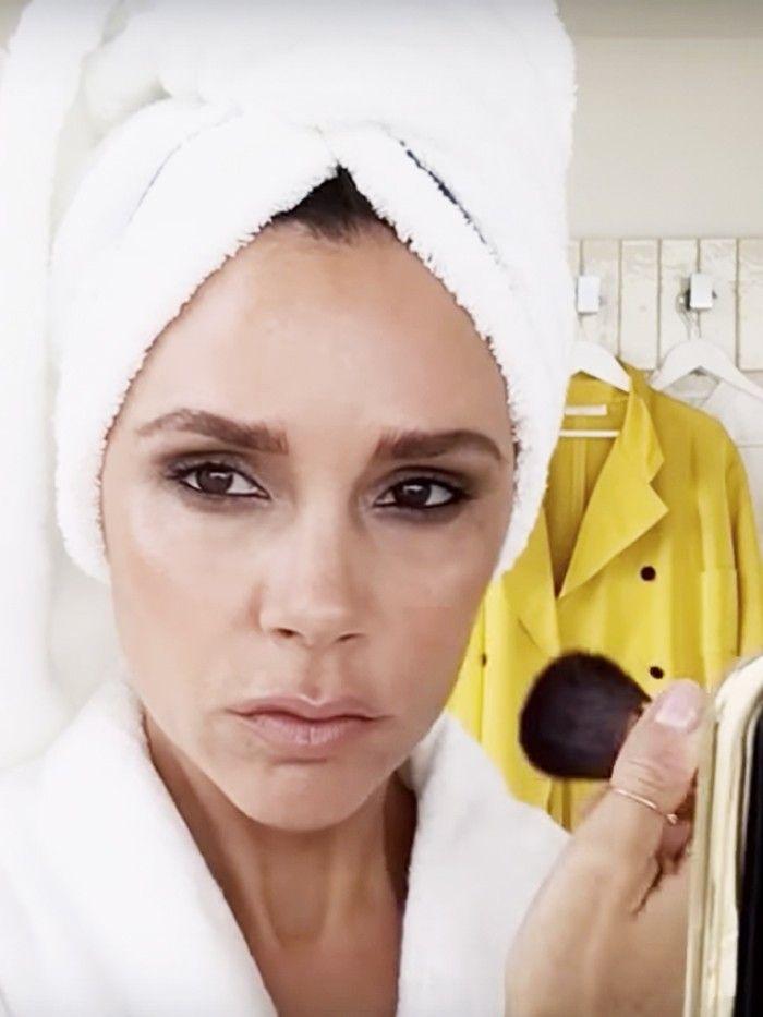 //Victoria+Beckham+Reveals+Her+Favourite+Makeup+Look+via+@ByrdieBeautyUK