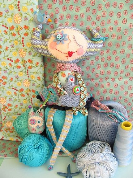 No way I could ever make something like this cute little gal, but some crafty person somewhere (I think Italy) did.  I want!