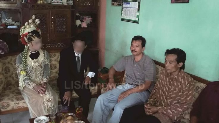 Police break up gay marriage ceremony in Central Java