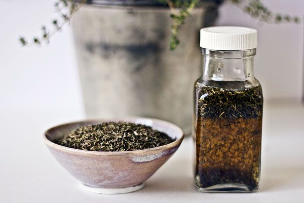 Thyme helps control acne! Who knew? Love the recipe for thyme toner.