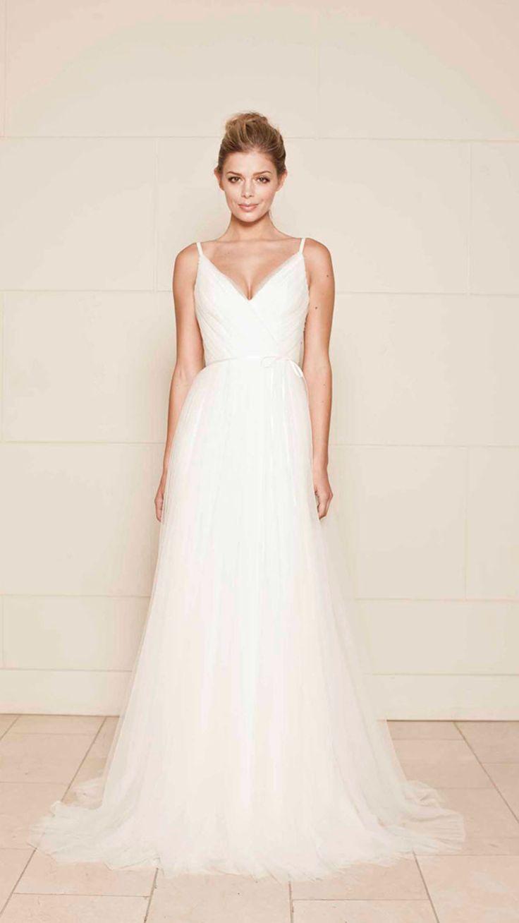 Simple beautiful tulle wedding dress