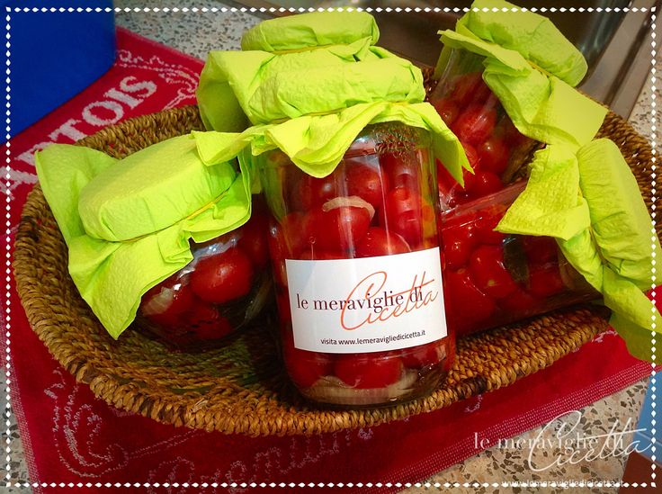 Ricetta pomodori ciliegino in conserva: imparate con la vostra Cicetta come realizzare questa semplice ricetta con tante foto e spiegazioni passo dopo passo.