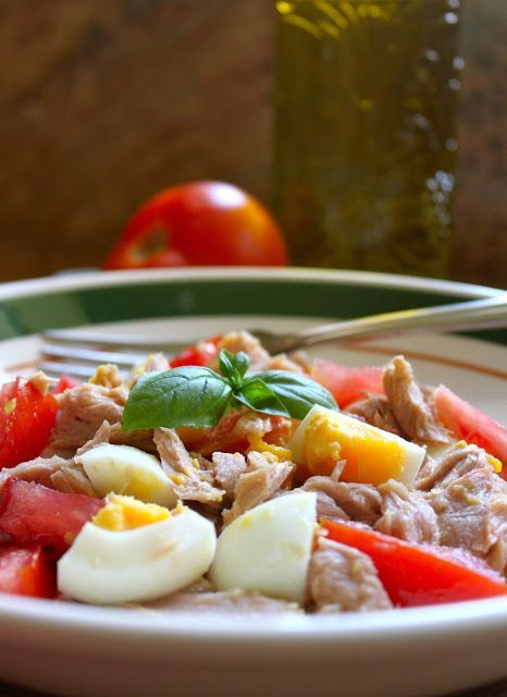 PROTEIN PACKED Tuna, Egg and Tomato Salad (dairy free, gluten free, WHOLE 30 and vegetarian)