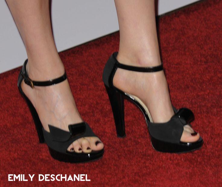 Celebrity Feet Online : Photo