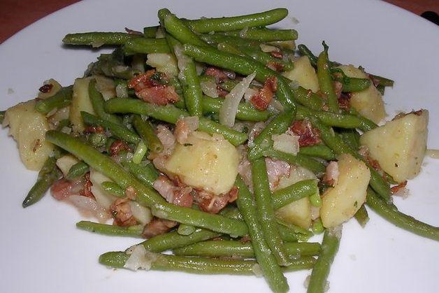 Salade van gebakken aardappelen, spekreepjes en princessenboontjes