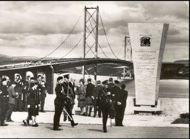 4 September – The Forth Road Bridge opens over the Firth of Forth, linking Fife and Edinburgh.14 September – The final edition of the left-wing Daily Herald newspaper is published. 15 September The Sun newspaper goes into circulation, replacing the Daily Herald. Sir Alec Douglas-Home calls a general election for 15 October.  21 September – Malta obtains independence from the UK.