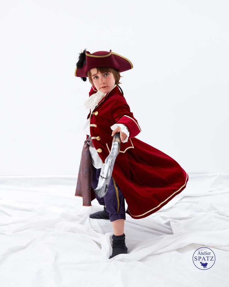 Captain Hook Velvet Coat | Childrens Pirate Costume Coat | Peter Pan Halloween Costume | Kids Costume| Revolutionary Colonial Outfit by AtelierSpatz