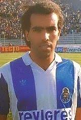 Fernando Óscar Bandeirinha Barbosa nasceu no dia 26 de Novembro de 1962 na cidade do Porto. Depois de passar pelos escalões de formação do Futebol Clube do Porto, integrou o plantel principal dos Dragões na temporada de 1981/82, tendo disputado apenas uma partida ao jogar os 90 minutos na vitória dos portistas sobre o F.C. Penafiel por 1-0 na 25ª jornada do Campeonato Nacional. Em 1982/83 e 1983/84 esteve por empréstimo ao serviço do F.C. Paços de Ferreira. Foi depois emprestado ao Varzim…