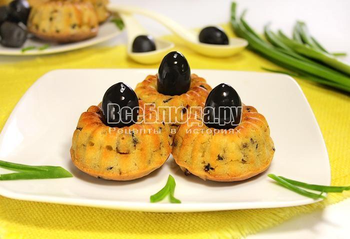 Постные закусочные маффины с маслинами и грибами
