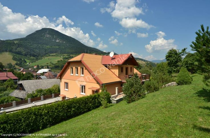 Urlop w takim miejscu musi być udany! Apartamenty Willa Michaela to sprawdzony obiekt noclegowy w mieście Ružomberok. Szczegóły oferty i zdjęcia na: http://www.nocowanie.pl/slowacja/noclegi/ruzomberok/apartamenty/28069/  #sleep #house #slovakia #travel #landscape #mountains #nocowaniepl