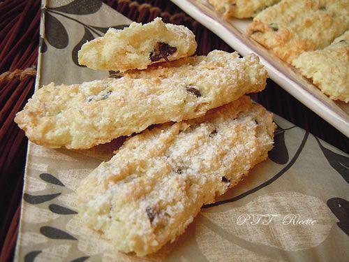 Biscotti teneri al cocco e cioccolato