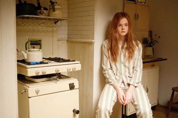 "Elle Fanning on the set of ""Ginger and Rosa"""