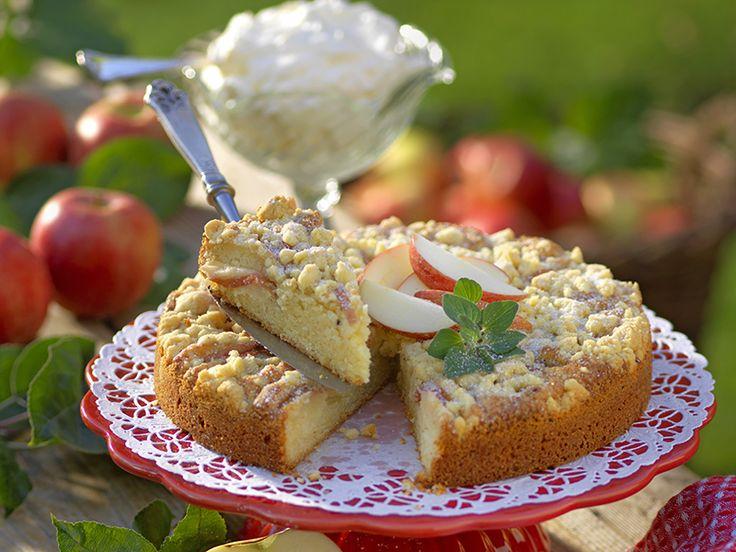 Mazarinkaka med äpplen och vaniljströssel