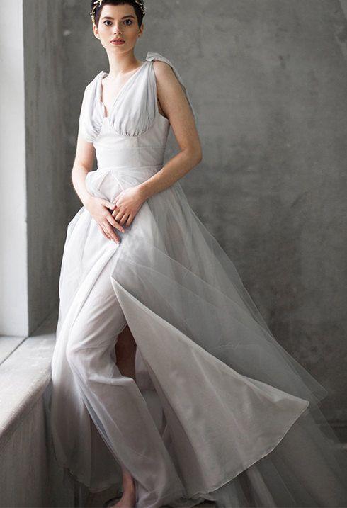 Lightweight wedding dress Dramatic wedding by VICTORIASPIRINA