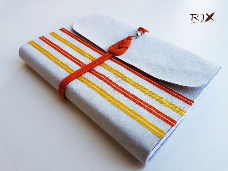 55 LEI | Jurnale handmade | Cumpara online cu livrare nationala, din Timisoara. Mai multe Papetarie in magazinul Rix pe Breslo.