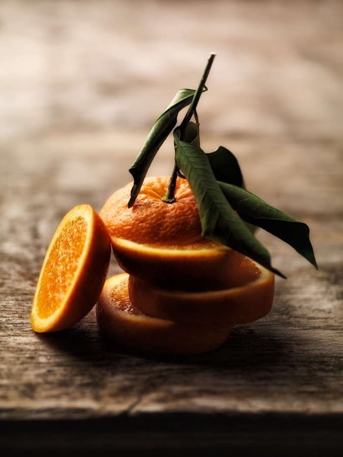 Simple but Nice! Ar elements & principles: The textures of the orange. The color and the different tones (light) on it