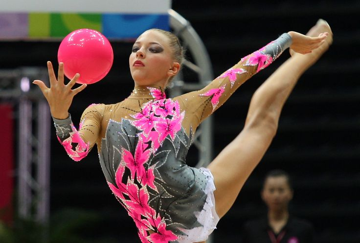 a discussion on a rhytmic gymnasts routine Create your very own rhythmic gymnastics ribbon dance routine as your teammates dance with balls and hoops  compete in an awesome team of stellar rhythmic olympic gymnasts  leap, twirl, and dance your way to the top of the charts represent your country.