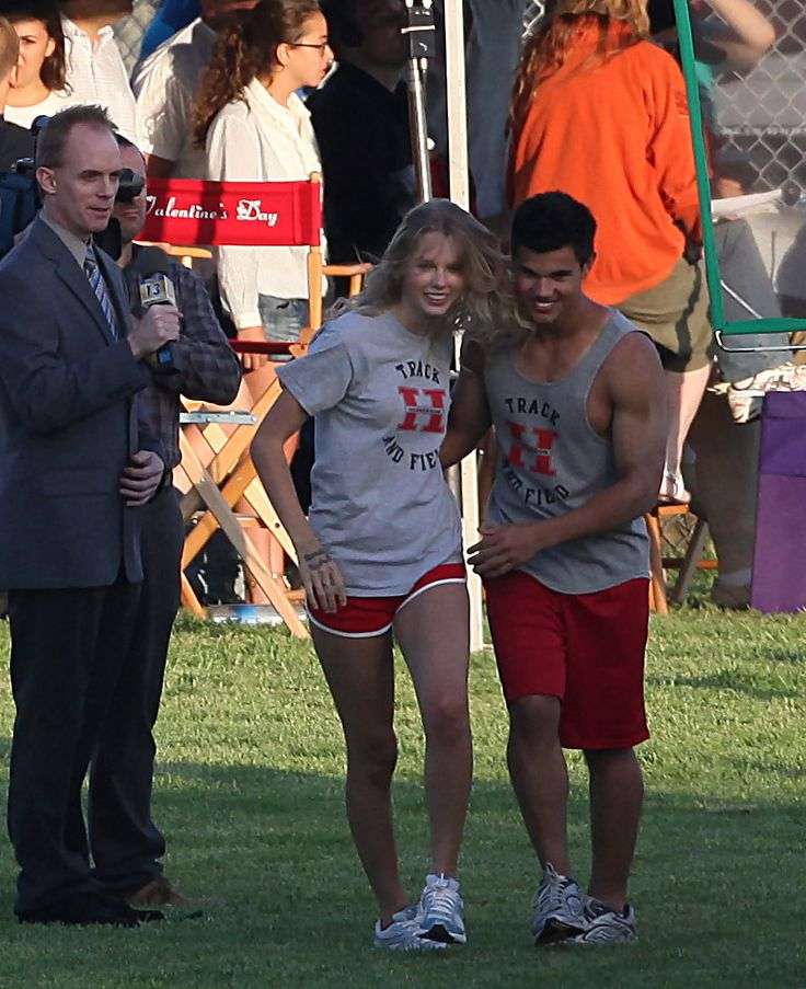 Taylor Swift and Taylor Lautner...oh how I wish they were still together