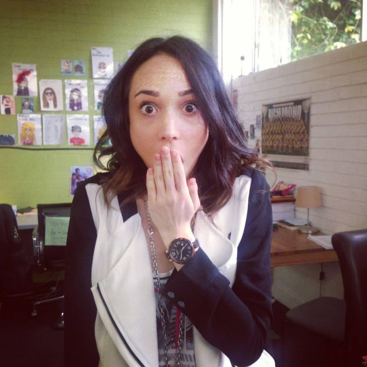 Ariel Kaplan pretended she was shocked...but we think she may have known all along. #whohitrobbo #NeighboursBehindTheScenes #NeighboursInstagram