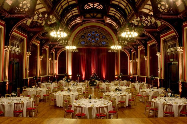 this wedding venue is glamorous and stunning, one of www.YourWedding.com's top 50 locations to get married in London