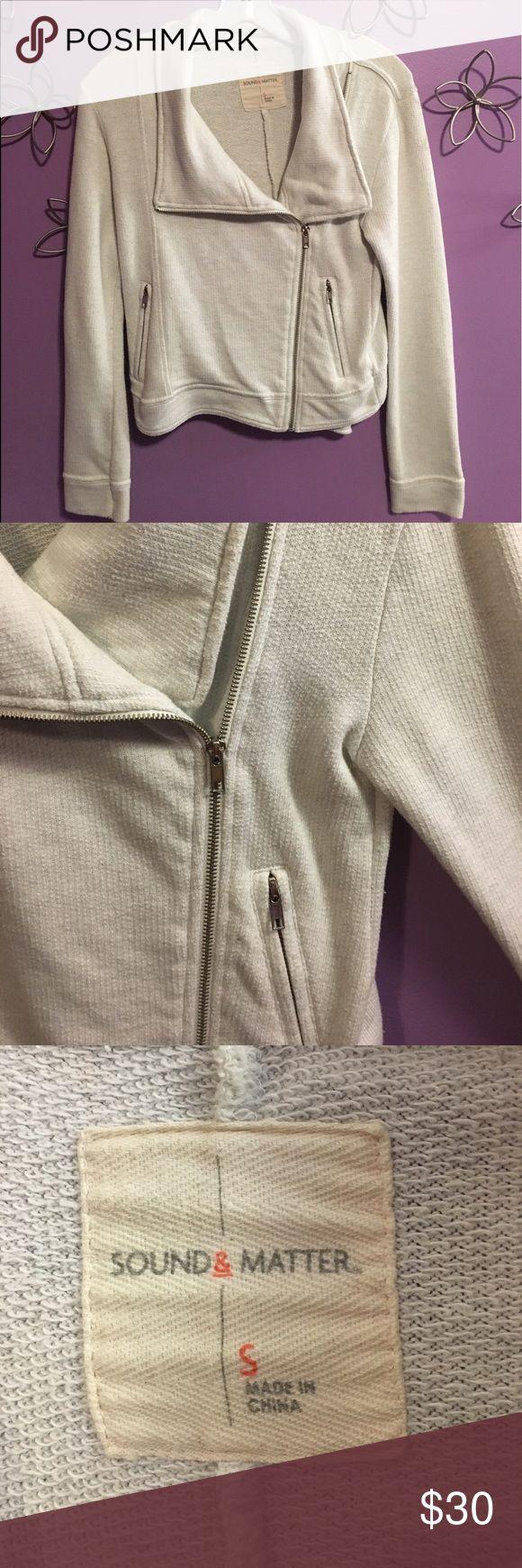 Women's Side Zip Up Sweater Beautiful white sweater with collar. Silver side zipper. Zip up pockets! Runs small! Sound & Matter Tops Sweatshirts & Hoodies