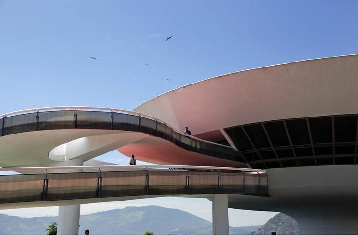 Museo de Arte Contemporáneo, en Niteroi, cerca de Rio de Janeiro, en Brasil.
