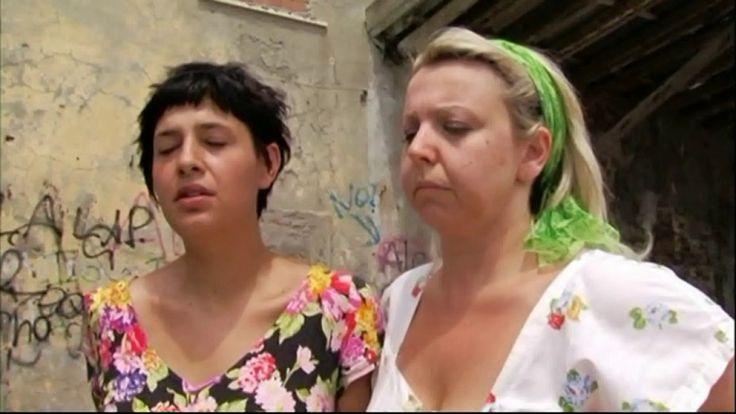 """CON GLI OCCHI DI UN BAMBINO-  La venezia il quartiere amato anche coi su...-FILM """"CON GLI OCCHI DI UN BAMBINO"""" DI SERGIO PIETRA CAPRINA Nota d'autore FILM 79' LUNGOMETRAGGIO """"CON GLI OCCHI DI UN BAMBINO""""SCRITTO, PRODOTTO E DIRETTO DA SERGIO PIETRA CAPRINA, LA STORIA DI DONATO È STATA TRATTA DAL ROMANZO """"LA STIRPE DI MORGIANO"""" DI OTELLO CHELLI. CANALE YOUTUBE: https://www.youtube.com/user/SergioPi... CON LA COLLABORAZIONE DEL COMUNE DI LIVORNO FILM COMMISSION MUSICHE DI AURO MORINI E NICOLA…"""