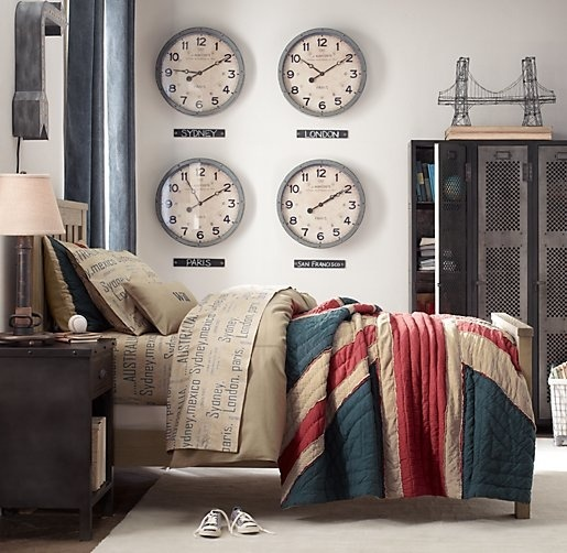 British Themed Boy S Bedroom: Time Zone Clock Collage So I Stay On Chicago Time For Work