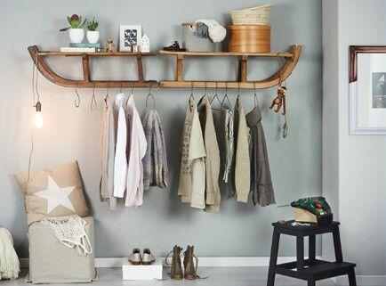die besten 25 holzschlitten ideen auf pinterest deko weihnachten schlitten deko weihnachten. Black Bedroom Furniture Sets. Home Design Ideas