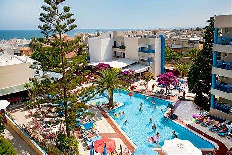 Blue Star Ibiscos Garden er et populært hotel til både voksne og familier. Her bor du nær stranden og Rethymnons gamle bykerne.