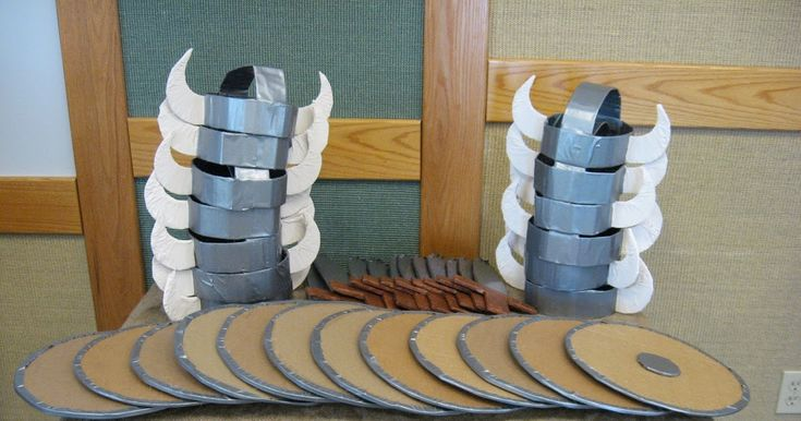 """Bug, Boo, and Bean: """"Dragon"""" Party Armour Part 1: Viking Hats"""