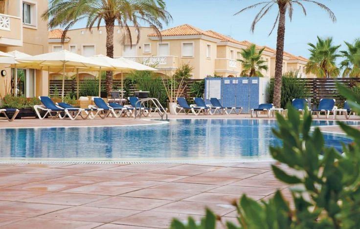 Vakantiewoning Las Dunas Riumar-Deltebre| 4- en 6-persoons appartementen met gemeenschappelijk zwembad. Via de duinen loopt u naar het strand. Ideaal voor gezinsvakanties. Meer info: http://www.novasol.nl/p/edo250