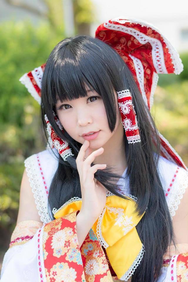 Title : The Tohou Project Character : Reimu Coser : 五木あきら Itsuki Akira