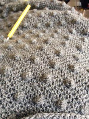 Minimal Boho: Crochet craze - bubble stitch blanket