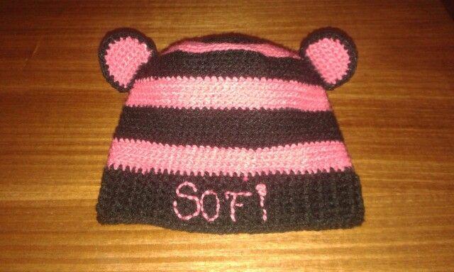 Gorro en lana antialérgica con nombre.