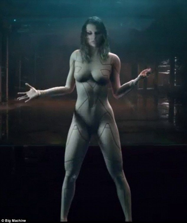 Shocker: Taylor Swift looked naked in a teaser for her new music video for ...Ready For It