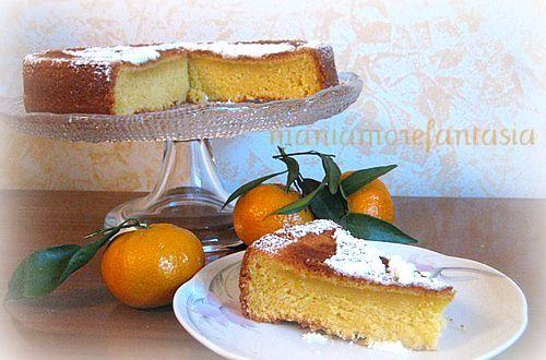 Voglio parlarvi della torta al mandarino, vorrei trovare le parole per descrivervi la sua morbidezza, la sua scioglievolezza e il suo profumo
