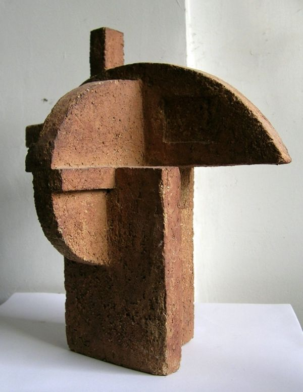 Construccion III, terracotta by J. González Guirado