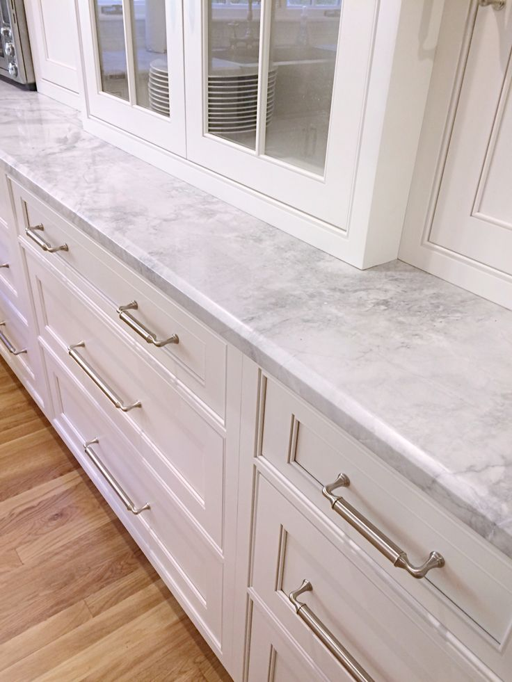 Best 25 Super White Quartzite Ideas Only On Pinterest